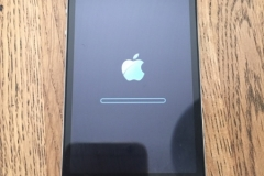 Replace iphone cracked screen